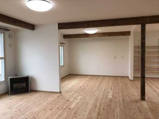 モダンな和室と無垢の床